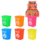 Plastic Bin with matching coloured putty. Heigh  6cm. Age 3+